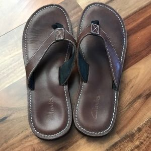 Clarks leather flip flop sandals size 9